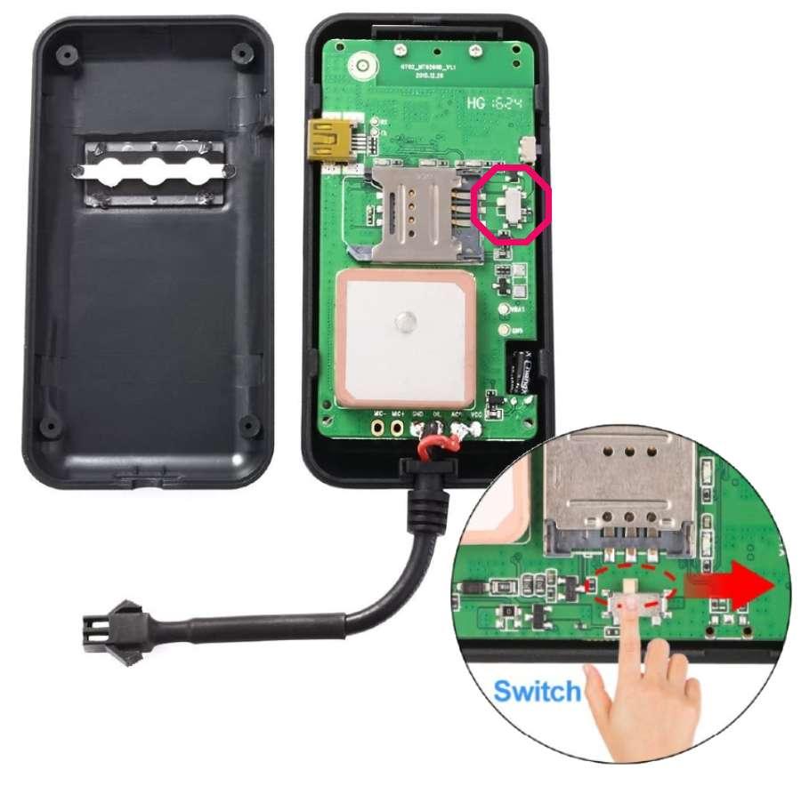 Localizador GPS GT02 desarmado e interruptor